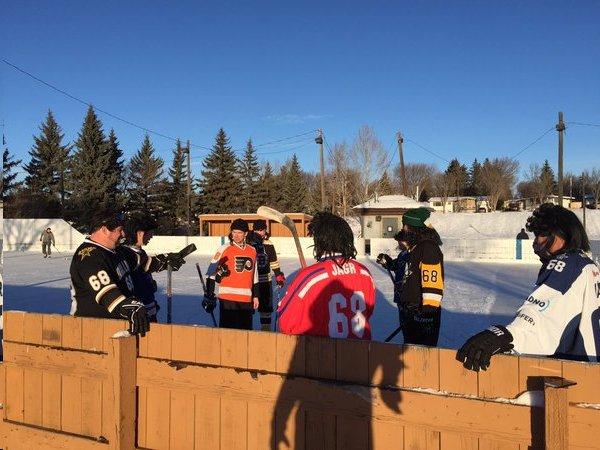 TravelingJagrsOutdoorHockey1