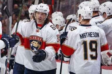 A clean-shaven Jagr skates by the Florida bench after scoring his second goal of the season in the Panthers 4-1 victory over Ottawa.